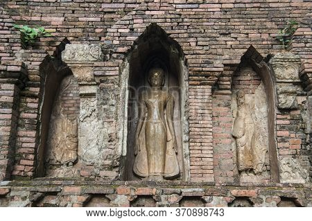 Thailand Chiang Saen Wat Pa Sak Temple