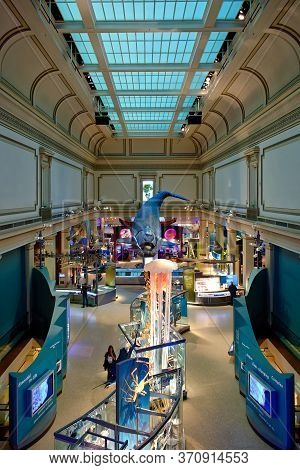 Washington, D.c., Usa - November 13, 2017: Elevated View Of The Ocean Hall In The Smithsonian Nation