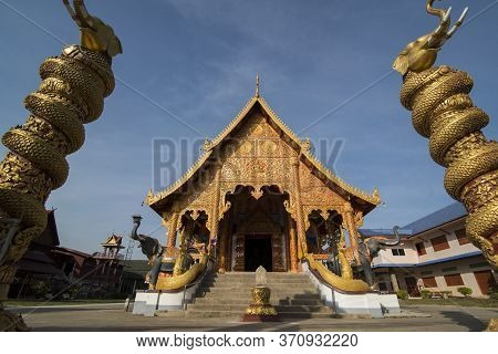 Thailand Chiang Saen Wat Pha Khaopan