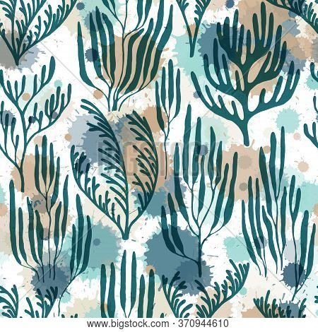 Ocean Corals Seamless Pattern. Paint Splashes Drops Watercolor Background. Aquarium Water Plants Sum