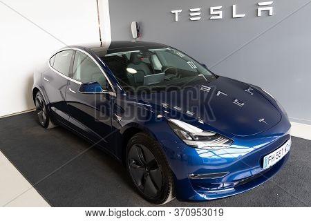 Bordeaux , Aquitaine / France - 11 25 2019 : Tesla Model 3 Car Sign Logo Shop American Company Deale