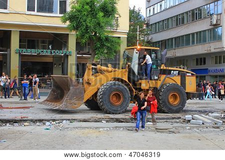Excavator working at Taksim