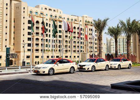 Dubai, Uae - September 9: The Dubai Taxi Cars Waiting For Clients Near Hotel, On September 9, 2013,