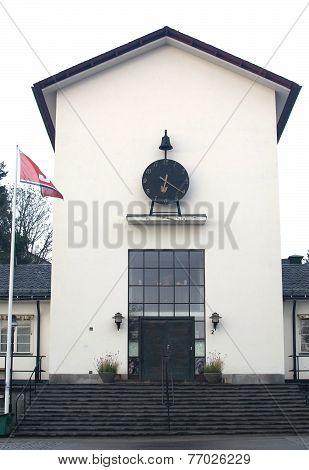 Clock house building