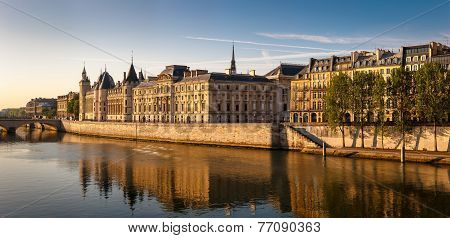 Glowing Morning Light On The Conciergerie And The River Seine, Paris