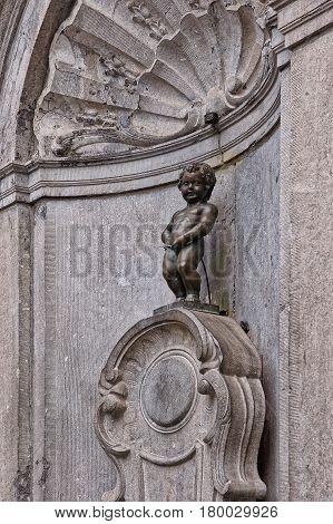 Little Man Pee Fountain Statue In Brussels