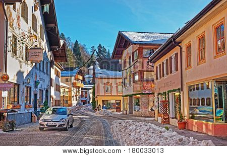 Street In Bavarian Style Decorated For Christmas Garmisch Partenkirchen