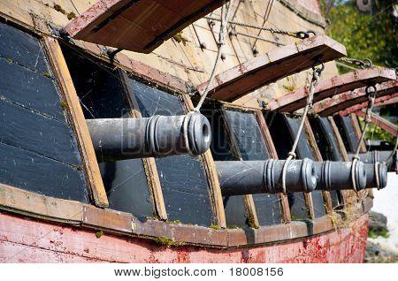 Broadside Cannons