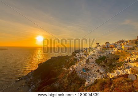 famouse sunset of Oia over Aegan sea, Santorini island