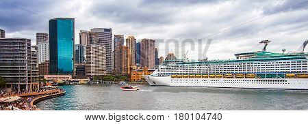 Sydney View of the Port Jackson and skyline