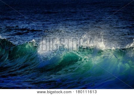 Green and blue ocean Wave