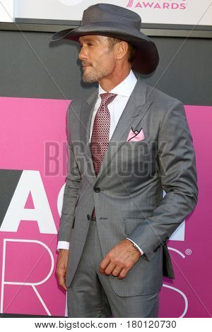 LAS VEGAS - APR 2:  Tim McGraw at the Academy of Country Music Awards 2017 at T-Mobile Arena on April 2, 2017 in Las Vegas, NV