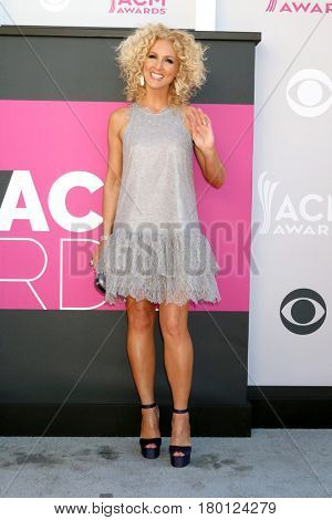 LAS VEGAS - APR 2:  Kimberly Schlapman at the Academy of Country Music Awards 2017 at T-Mobile Arena on April 2, 2017 in Las Vegas, NV