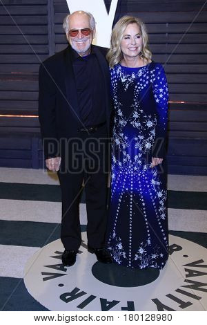 LOS ANGELES - FEB 26:  Jimmy Buffett, Jane Slagsvol at the 2017 Vanity Fair Oscar Party  at the Wallis Annenberg Center on February 26, 2017 in Beverly Hills, CA