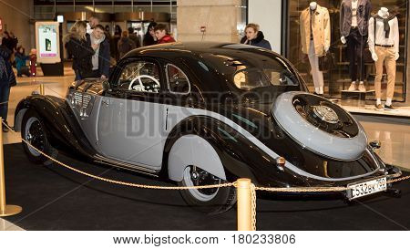 Moscow, Russia - April 02, 2017: Bmw-327/28 Coupe, Germany 1939. Retro Car Exibition In Shopping Mal