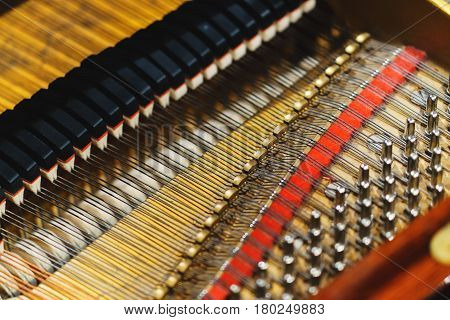 the inner mechanism of the piano piano.