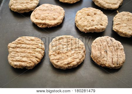 Cooking Round Frozen Sausage Patties in a Pan