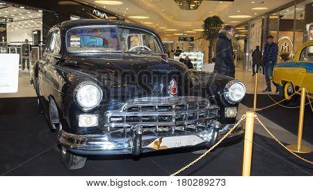 Moscow, Russia - April 02, 2017:gaz-12 Zim, Soviet Union, 1953. Retro Car Exibition In Shopping Mall