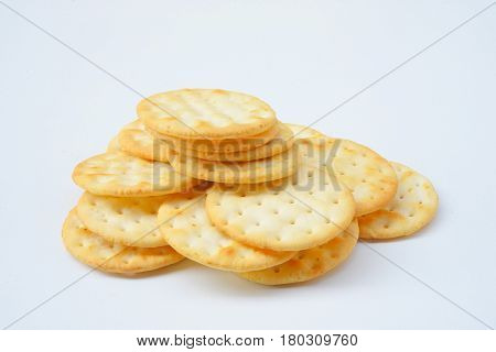 Organic Whole Wheat Soda Crackers ready to eat