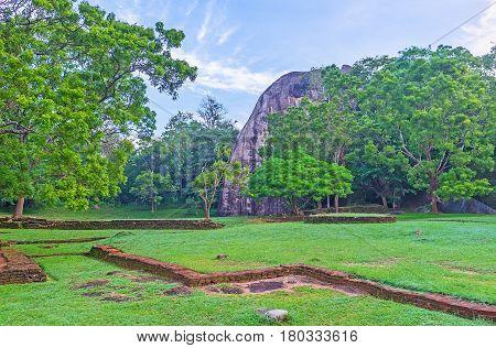 Discover Ancient Sigiriya