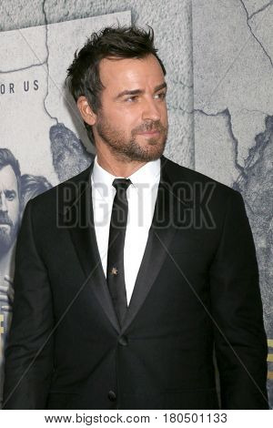 LOS ANGELES - APR 4:  Justin Theroux at the Premiere Of HBO's