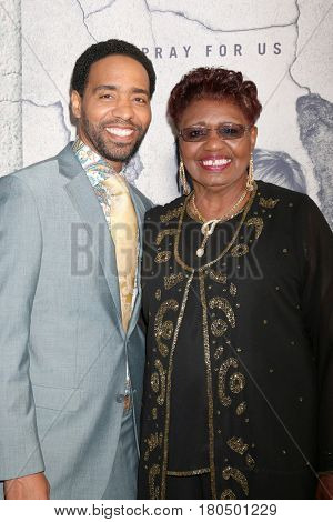 LOS ANGELES - APR 4:  Kevin Carroll, mother at the Premiere Of HBO's