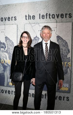 LOS ANGELES - APR 4:  Carol Schwartz, Scott Glenn at the Premiere Of HBO's