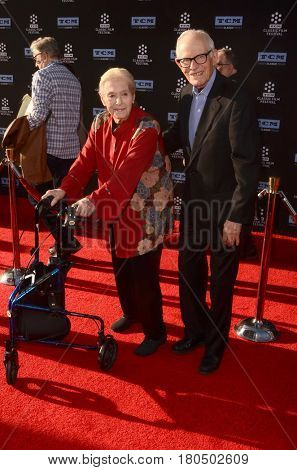 LOS ANGELES - APR 6:  Marilyn Bergman, Alan Bergman at the 2017 TCM Classic Film Festival Opening Night Red Carpet at the TCL Chinese Theater IMAX on April 6, 2017 in Los Angeles, CA