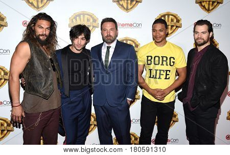 LOS ANGELES - MAR 29:  Jason Momoa, Ezra Miller, Ben Affleck, Ray Fisher and Henry Cavill arrives for the CinemaCon 2017-Warner Brothers on March 29, 2017 in Las Vegas, NV