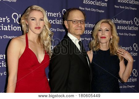NEW YORK-JUN 8: (L-R) Ashley Campbell, David Hyde Pierce and Kim Campbell at Alzheimer's Association New York City Chapter's 2015