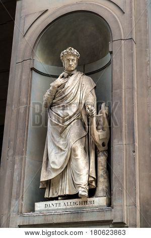 Statue of Dante in the courtyard of the Uffizi Gallery in Florence, Italy