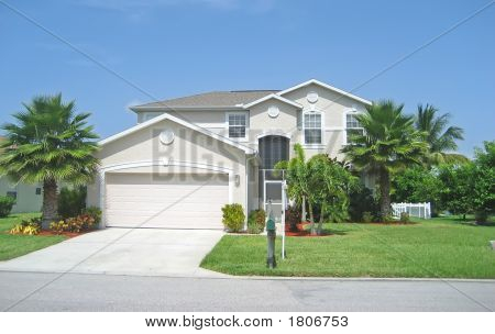 Upsacle Tropical Home