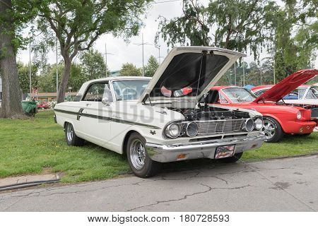 Ford Galaxie 500 427 On Display