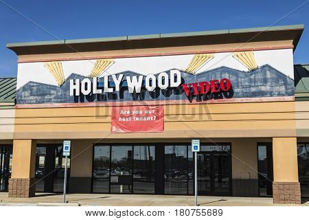 Lafayette - Circa April 2017: Defunct Hollywood Video Retail Location. Hollywood Video And Blockbust