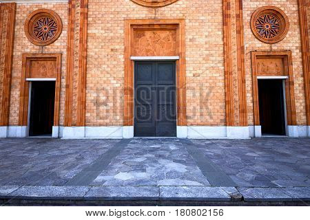 Italy  Lombardy   The Vergiate  Old   Church  Brick Tower Wall