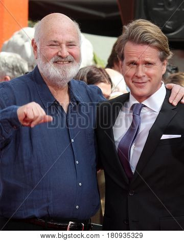LOS ANGELES - APR 7:  Rob Reiner, Cary Elwes at the Carl and Rob Reiner Hand and Footprint Ceremony at the TCL Chinese Theater IMAX on April 7, 2017 in Los Angeles, CA
