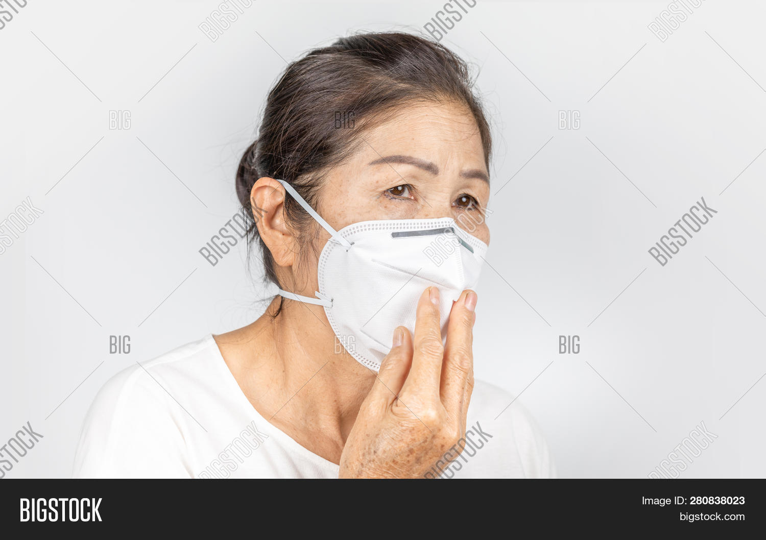 N95 amp; Trial Photo Wearing Bigstock Image Woman Old free