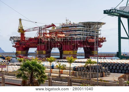 Santa Cruz, Canary Islands, Spain - July 28, 2018: Platform Floatel Reliance In The Seaport. Floatel