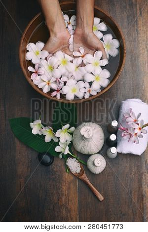 Hand Spa; Spa Massage Compress Balls, Herbal Ball And Treatments Spa On The Wooden.