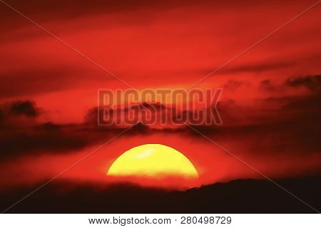 Big Sun Sunset Sky Orange Sky Red Sunright Outdoor Summer Nature Landscape Backgound