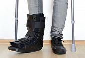 orthosis cervix croup gibs splint broken fracture sneaker poster
