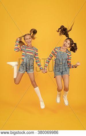 Emotional Kids. Fashion Shop. Must Have Accessory. Modern Fashion. Kids Fashion. Girls Long Hair. Cu