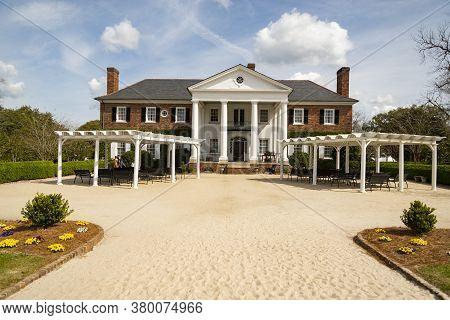 Charleston Sc - March 30, 2019: Boone Hall Plantation, Old Traditional Farmhouse Near Charleston In
