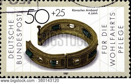 02 09 2020 Divnoe Stavropol Territory Russia The Postage Stamp Germany 1987 Gold And Silversmithing