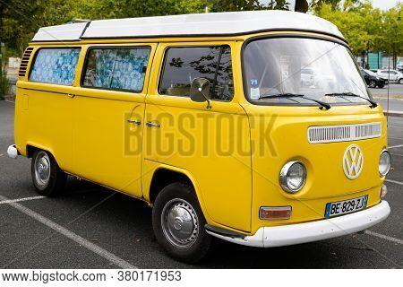 Bordeaux , Aquitaine / France - 08 04 2020 : Volkswagen Type 2 Yellow Minibus Classic Vw Camper Van