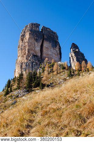 Sunny Autumn Alpine Dolomites Rocky  Mountain Scene, Sudtirol, Italy. Cinque Torri (five Pillars Or