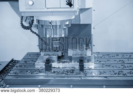 The  Cnc  Milling Machine Cutting  The Mold Parts By Solid Endmill Tool. The Hi-precision Mold And D