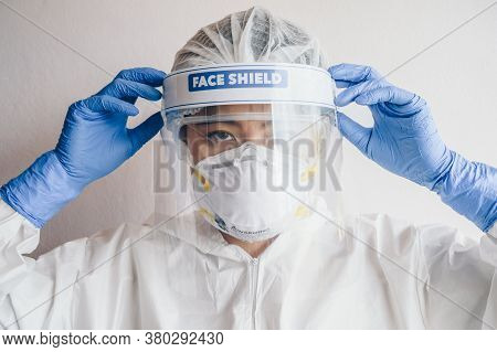Healthcare Worker Wearing Ppe Suit For Working In Hospital During Covid-19 Pandemic Outbreak. Ppe Is
