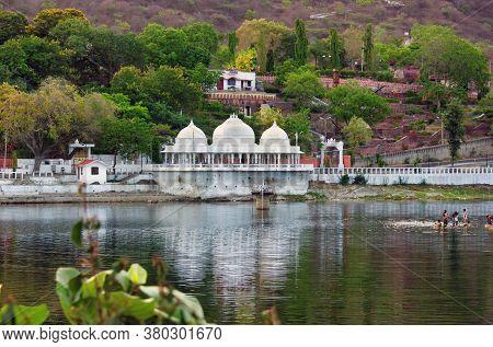 Udaipur, India - May 22, 2013: Lake In Doodh Talai Musical Garden In Rajasthan State