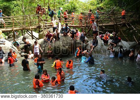 Aurora, Ph - April 21 - Tanawan Waterfalls On April 21, 2019 In Dingalan, Aurora, Philippines.